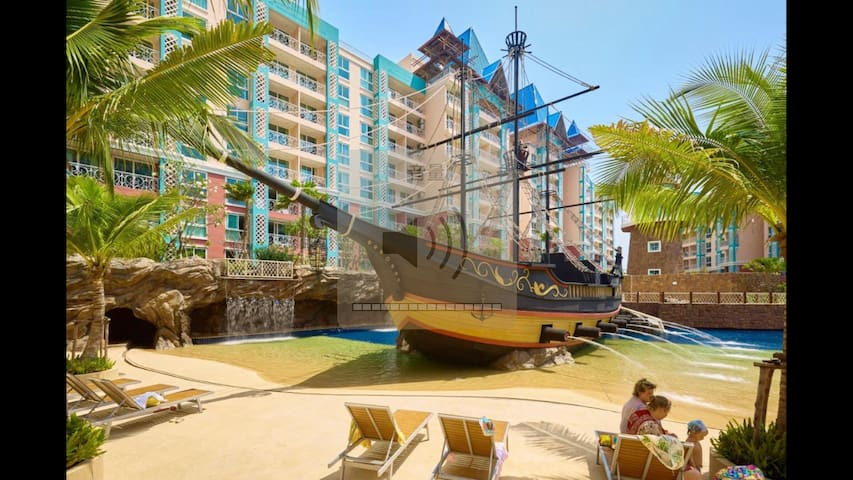 中天加勒比公寓,位于芭提雅市中心和中天海滩之间,交通便利,距离超市餐馆都很近。
