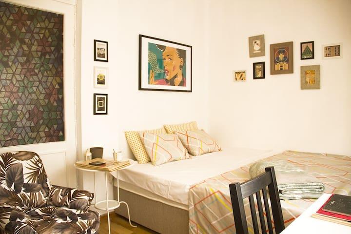 Comfort Double Room in Cihangir!