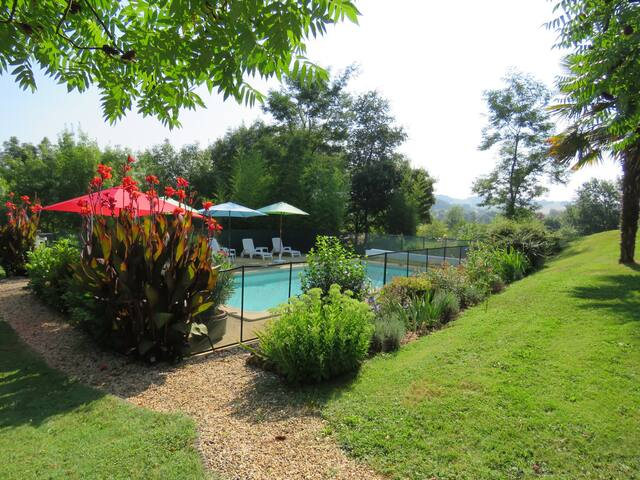 Gîte Aramis(3***) - private garden and nearby pool