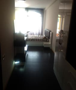 Уютная квартира прямо на побережье Квариати - Apartment