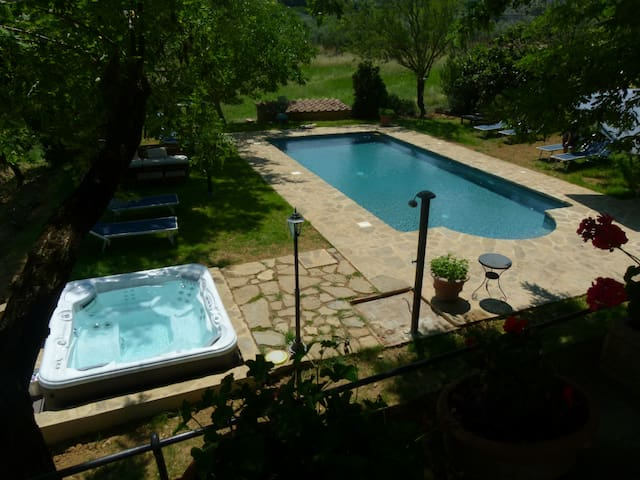 Casa Torre Il Prato with Swimming pool and Jacuzzi - San Casciano in Val di pesa - Wohnung