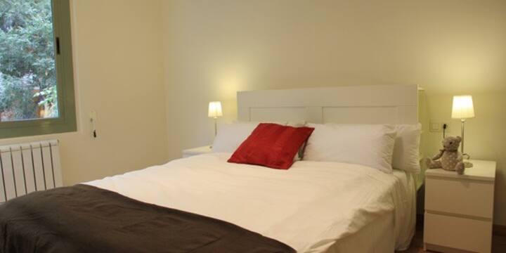 Dormitorio 2 personas en apartamento tranquilo