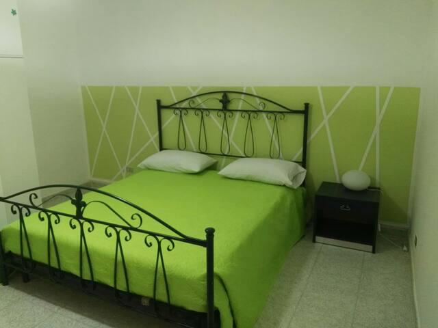 Spurio 's Beb anche a ore (Appartamento verde)