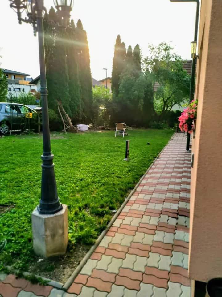 Salzburg Langwied Apartment 2有客假日民宿
