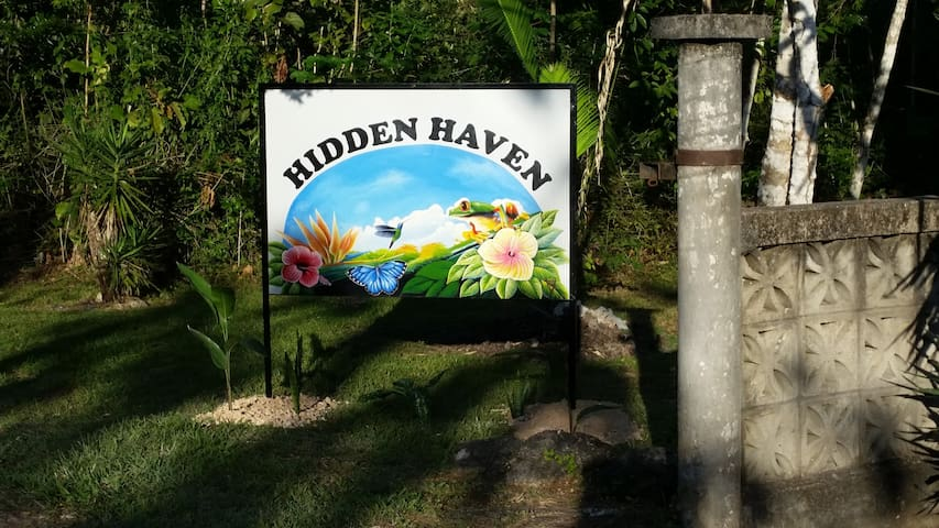 Hidden Haven - Cabana 3: Ginger Lily
