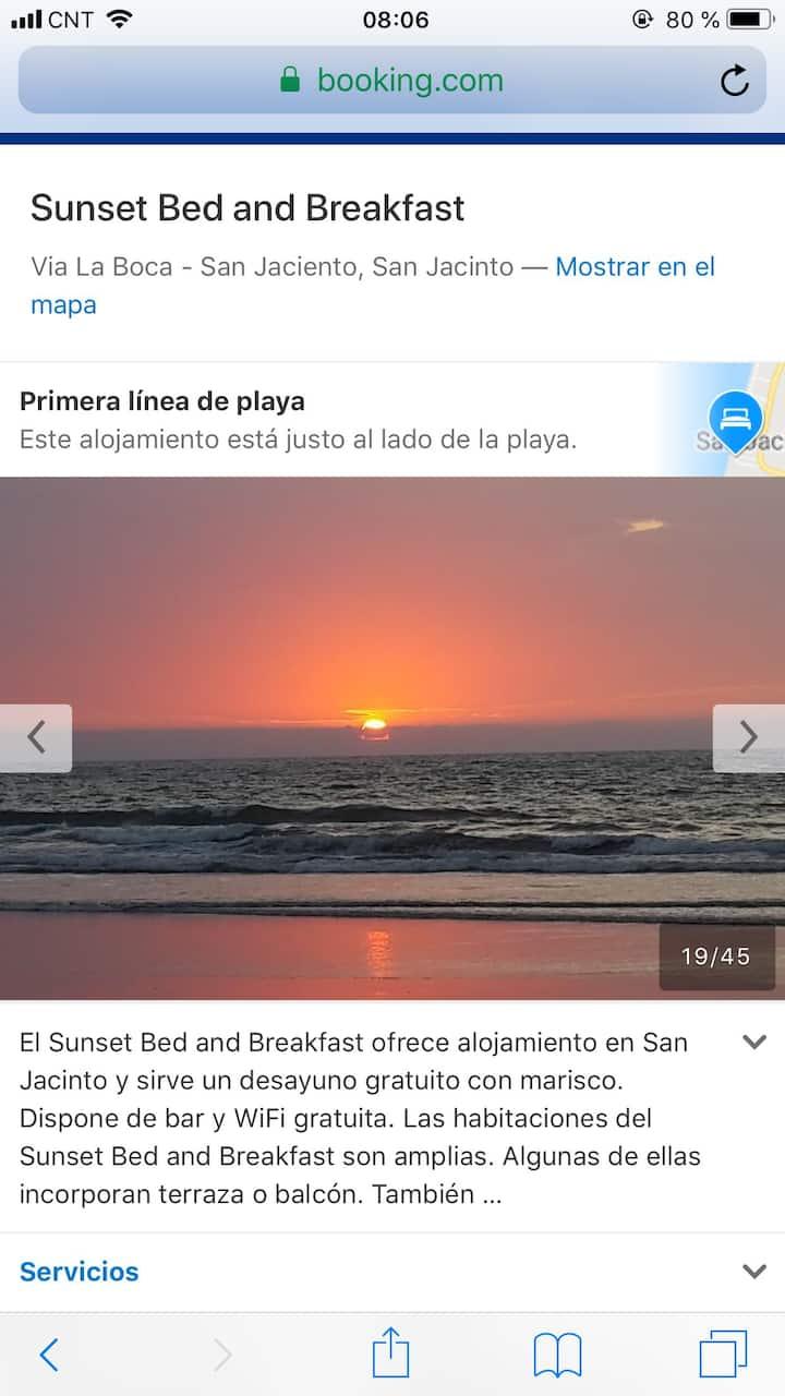 SUNSET BED & BREAKFAST PLENITUD A PIE DE MAR