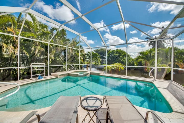 Roelens Vacations - Villa Happy Hour - Cape Coral