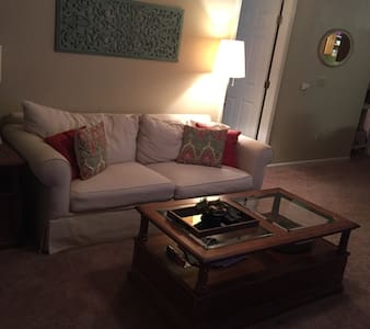 Indy 2 Bed/2 Bath Rental - Indianapolis