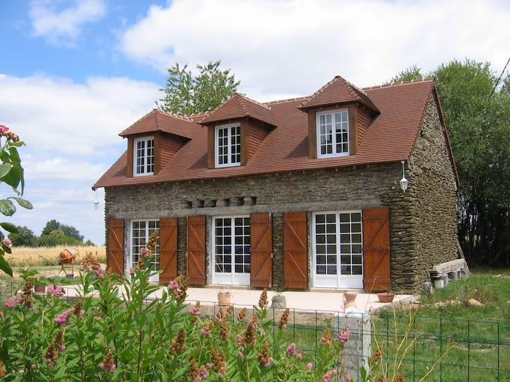 Jolie maison en pierre en Berry Sud