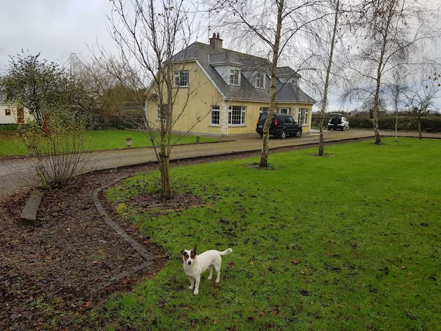 Detached Country Home at the Old Hurling Field