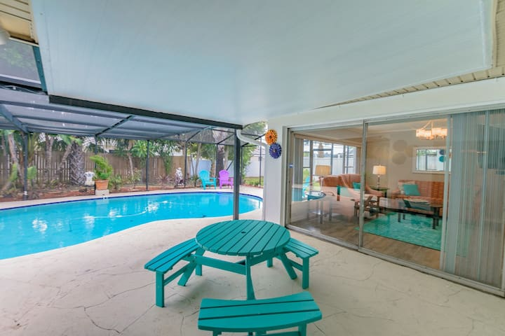 Poolside Paradise on 66th Way