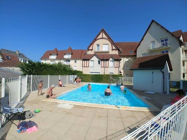 Appartement F2 48 mètres carrés avec piscine