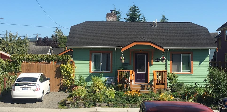 Charming 1910 Bungalow - Bellingham - Bed & Breakfast