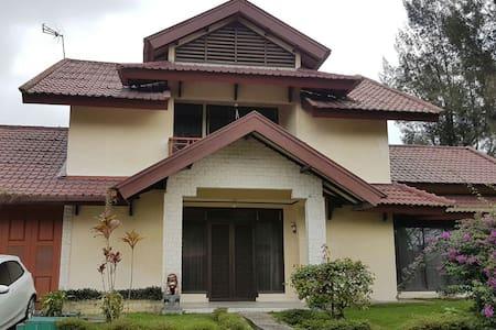 Villa Green Hill Medan Sibolangit - Medan