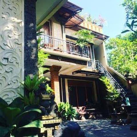 Sunny & Peaceful, Pondok Taman Asri Homestay, Bali - Ubud - Guesthouse