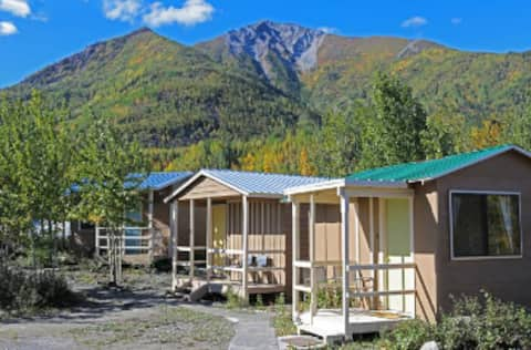 McCarthy Bed &Breakfast, Private Cabin