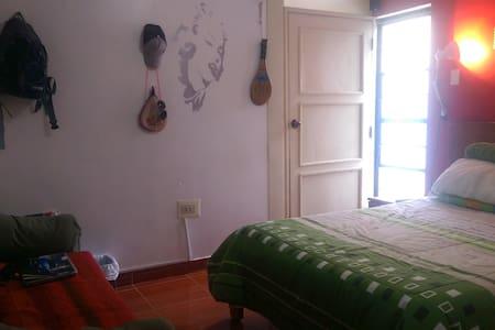 Habitaciones Matrimoniales cerca de Plaza de Armas - Cusco - Ház