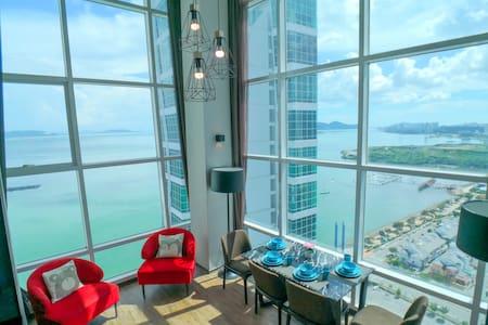 Coastline Seaview Duplex Level 19 Executive Floor