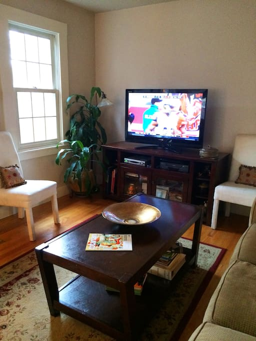 Family Room - HD TV/Cable