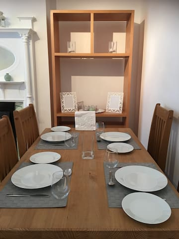 Full range of crockery and cutlery