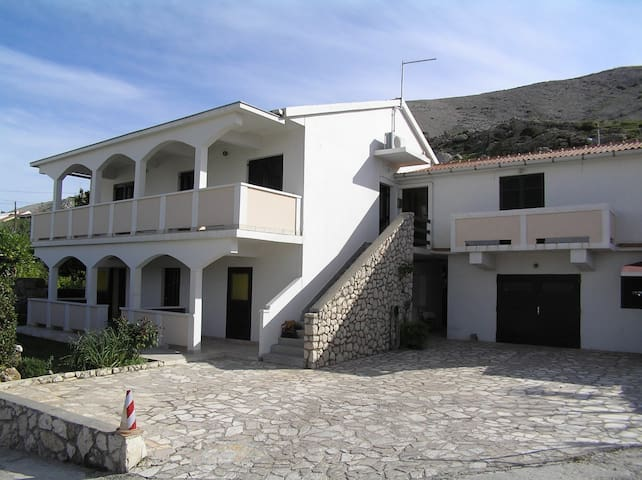 Apartment Here A2 (2+1) 1. KT Pag, Island Pag