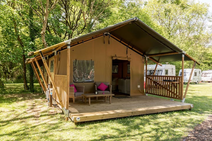 Safari Tent Glamping Experience with Heating