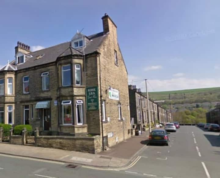 B&B Guest House in Halifax UK. Choose a Room