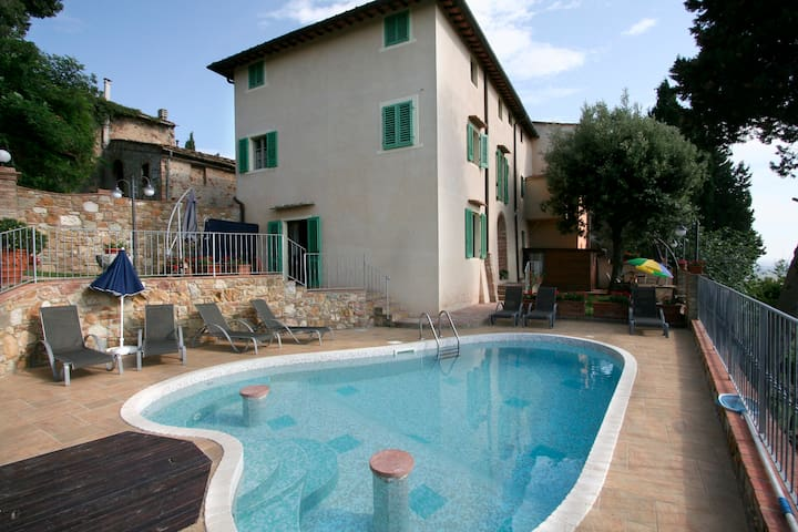 Casa Vacanze AnticaPietra, relax nel cuore Toscana
