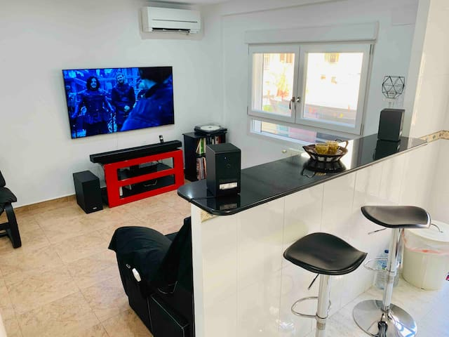 Private Room 200meters beach(Wifi,Netflix,HBO,A/C)