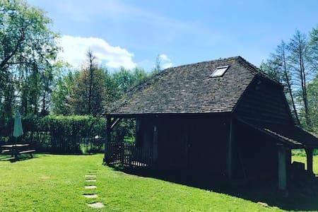 Unique Riverside Barn Close to Mottisfont Abbey - Hampshire - Ξυλόσπιτο