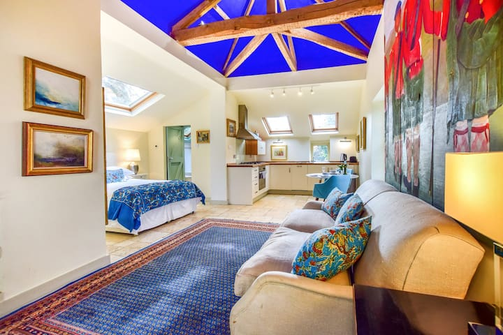 Matara Lodge, Kingscote, Cotswolds