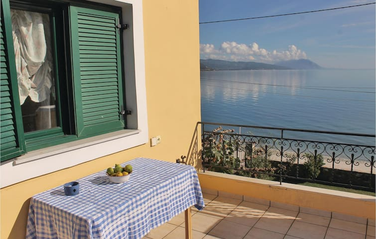 Holiday cottage with 4 bedrooms on 130m² in Loutra Aidipsou