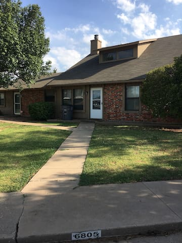 Townhome just minutes from Ft Sill! 05