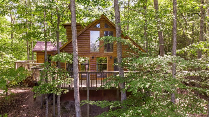 Hot Tub, WiFi, Satellite - Gorgeous View - Large Family Cabin in Red River Gorge