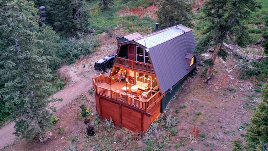 Cabin w/ mountain views in Tollgate Canyon