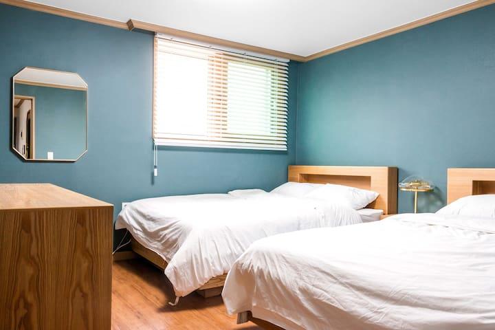 Bed Room No.1