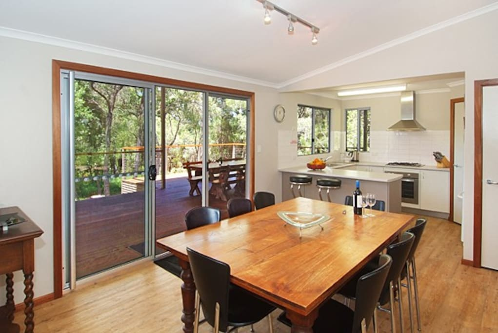 Share local Margaret River and Hamelin Bay wines with friends and family inside or on the 80sqm of decking