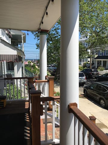 Ocean Grove, 3 min walk to beach, 2 bedroom apt - Neptune Township - อพาร์ทเมนท์