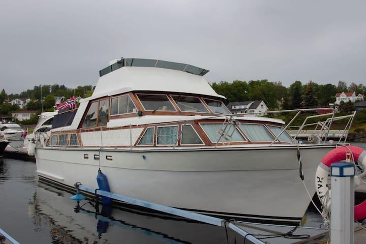 Unik boligbåt på Vollen like utenfor Oslo