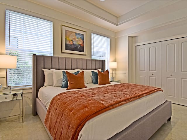 A 3rd bedroom with a king size bed is located on the ground floor for those who aren't comfortable walking up the stairs.
