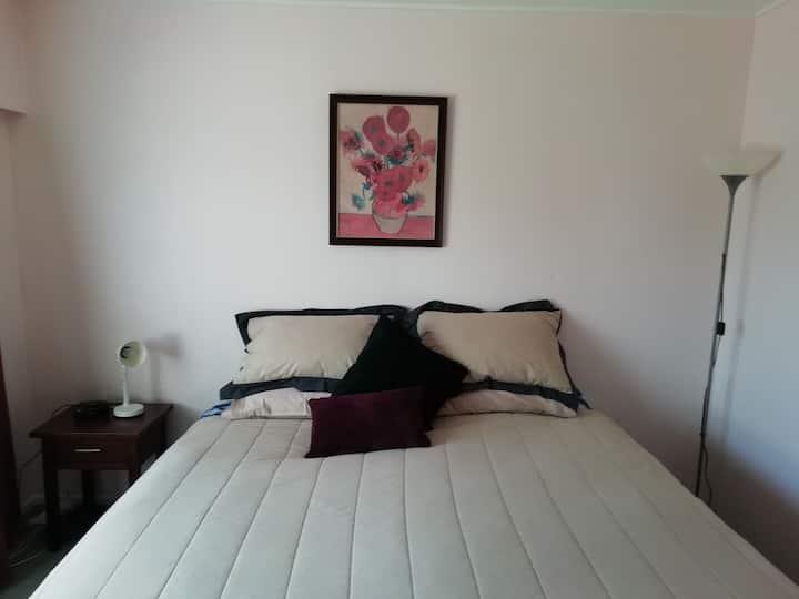 Quiet, comfortable room Near Local Hospital
