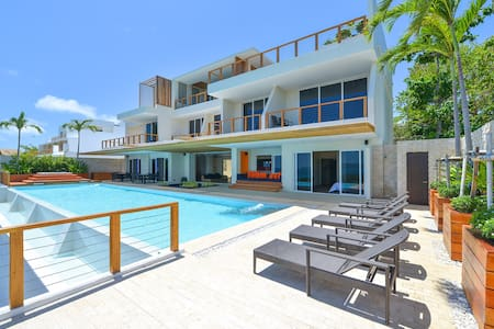 11 bedroom luxury villa with pool caipirinha villa