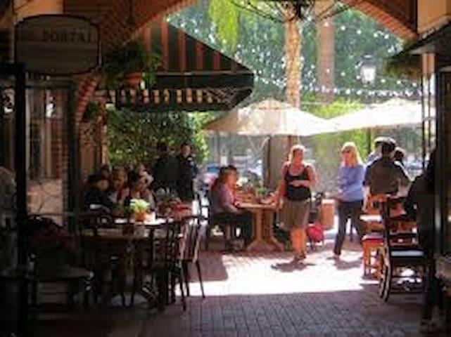 Pasadena 2 bdrm lux privacy in fab hood+gym&pool! - Pasadena