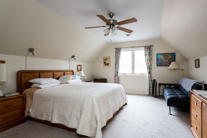 Lakeside Cape-King Room - Mechanicsville - Hus