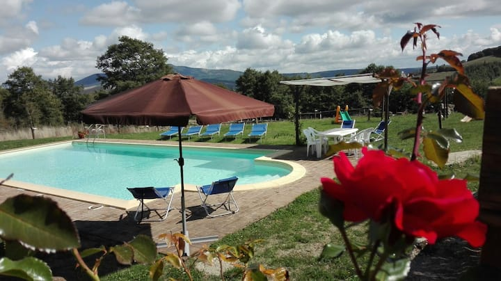 In 1600 farmhouse Val d'Orcia, in the silence