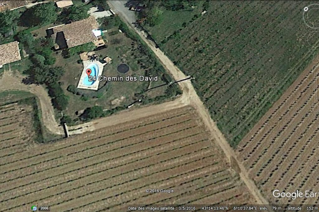 Vue Google maps de la maison et du Hameau
