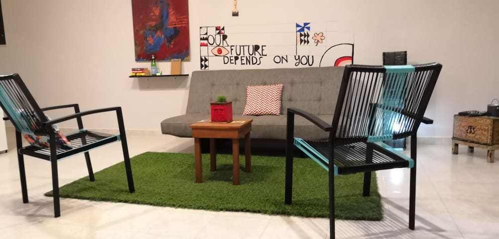 Spacious and bright apt with access to coworking