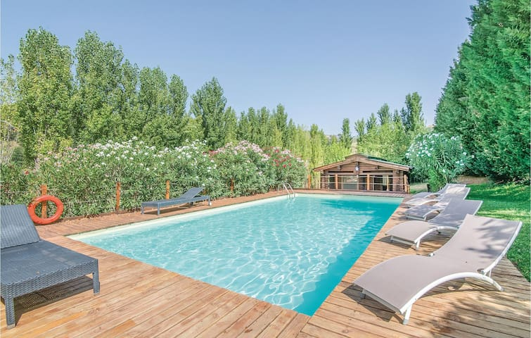 Holiday cottage with 5 bedrooms on 270 m² in Magliano Sabina -RI-