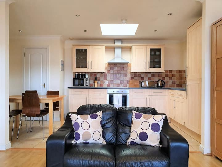Central Old Town - Spacious Family Apartment