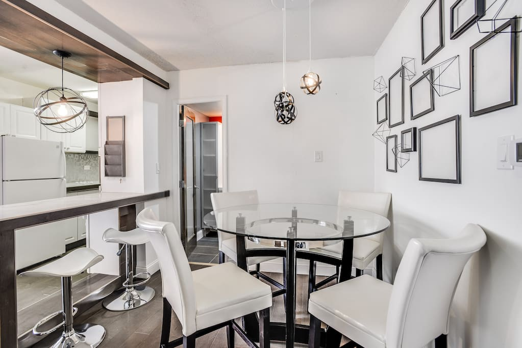 Separate dining room next to breakfast bar